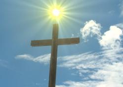 croix-soleil-ciel-bleu.jpg